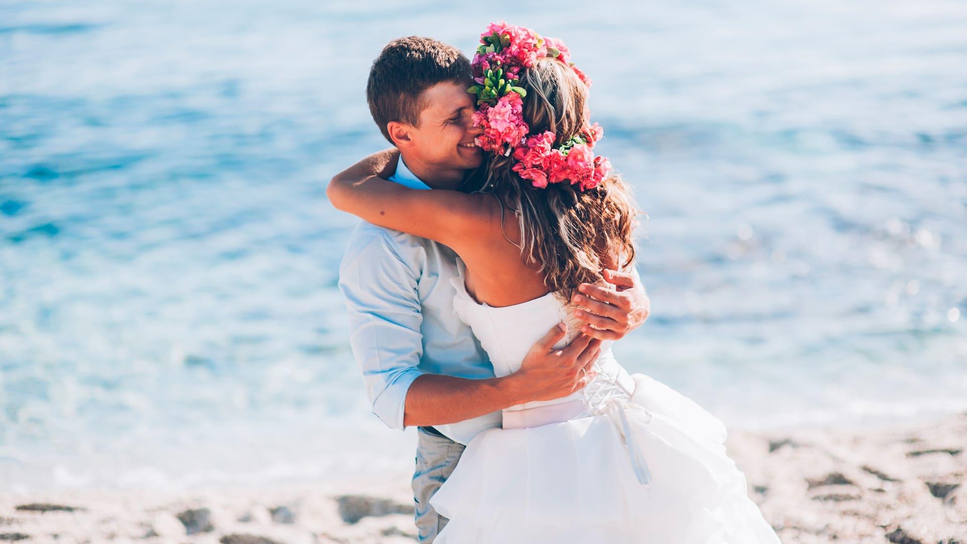 matrimonio sulla spiaggia della toscana